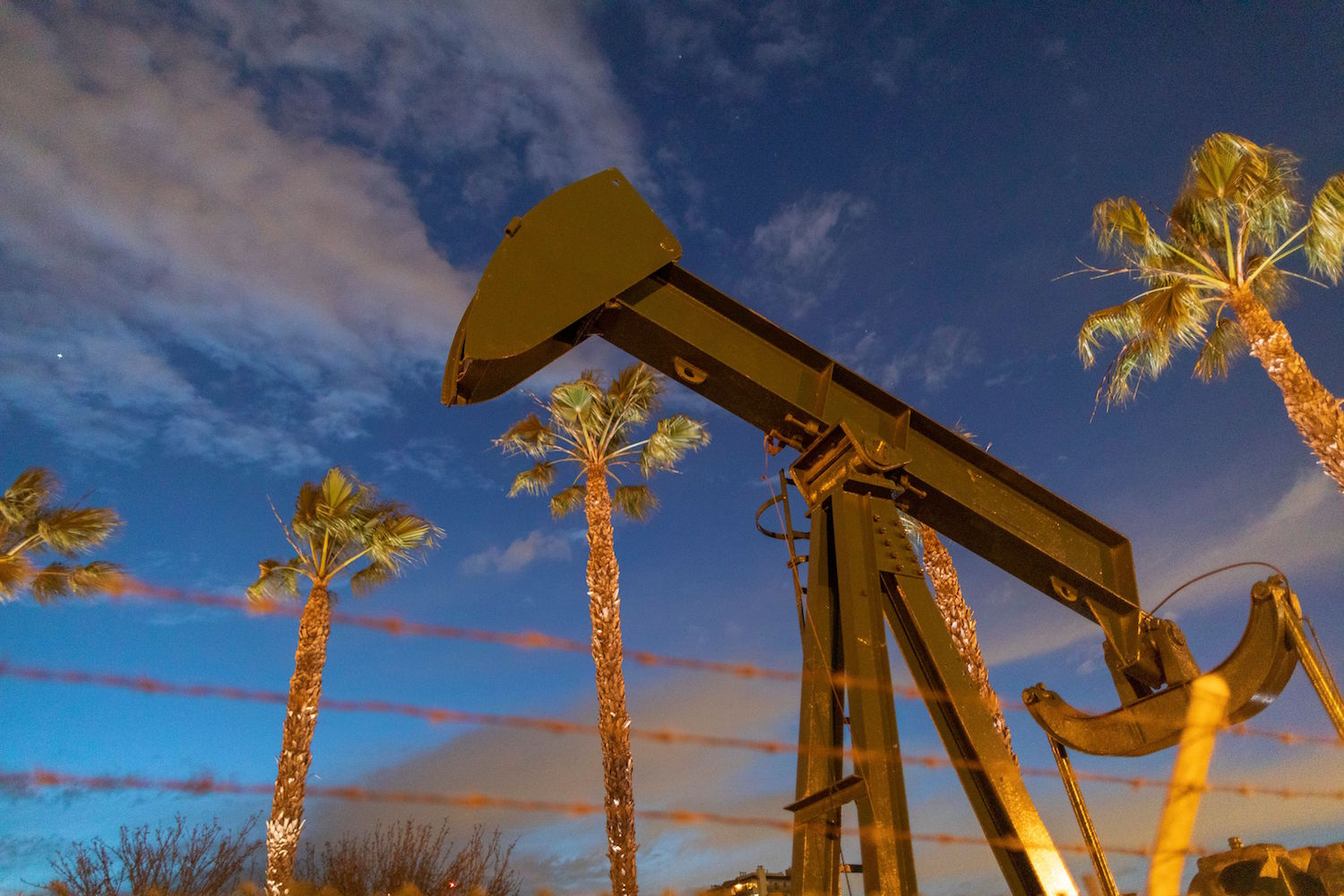 America's Oil Taps Once Again Closes By Saudi Arabia