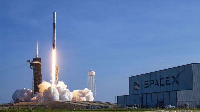 SpaceX dispatches twelfth Starlink strategic, clients getting 100Mbps downloads