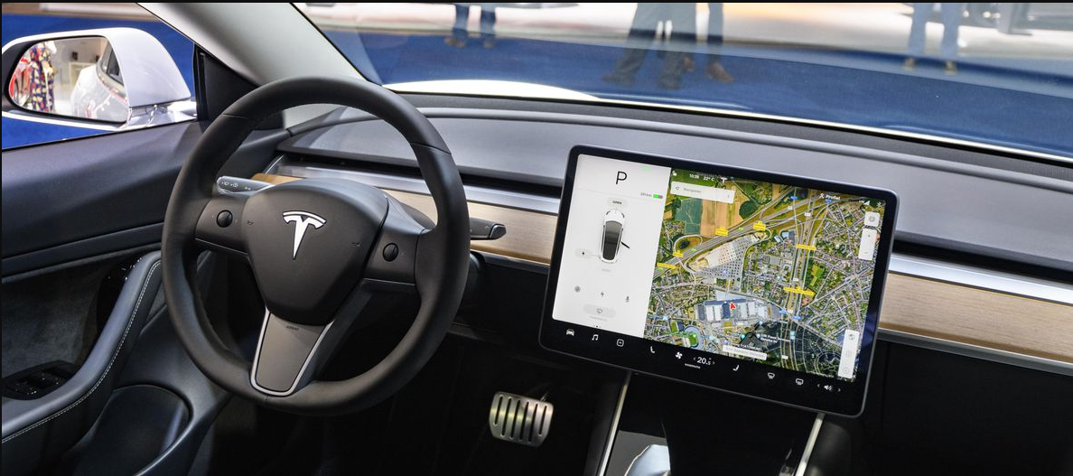 Elon Musk states Tesla's Full Self-Driving suite is arriving to Japan