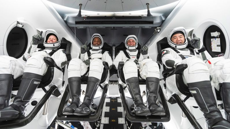 NASA hopeful SpaceX Falcon 9 engine problem settled, clearing path for team dispatch